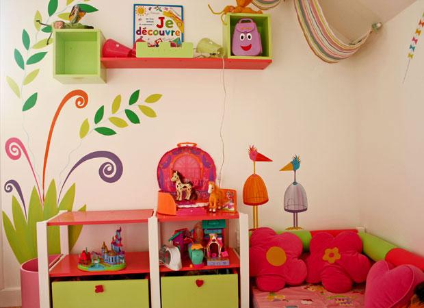 Выбираем материал для стен детской