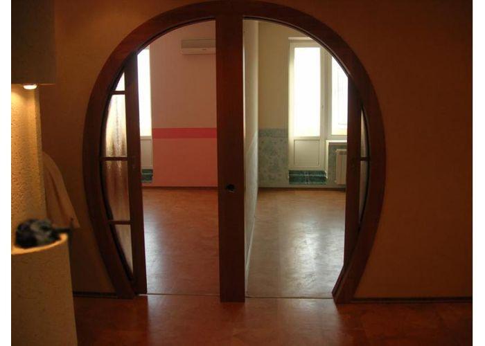 Установка межкомнатной двери в квартире