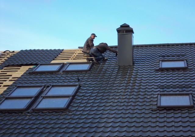 Ремонт крыши из металлочерепицы