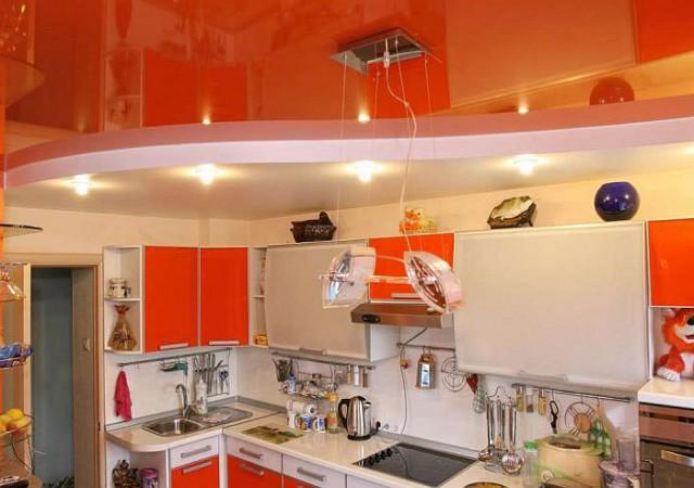 Делаем на кухне подвесной потолок