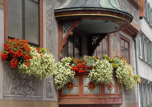 Балкон - не место для хранения старых вещей