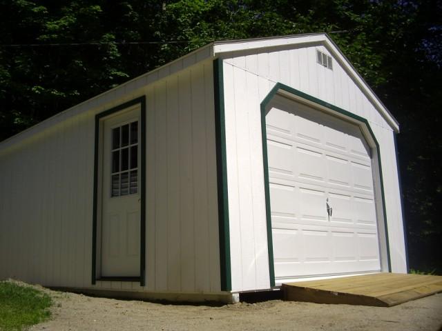 Удобные и комфортные гаражные ворота из сэндвич-панелей
