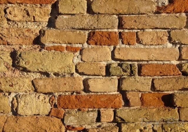 Ремонт кирпичной кладки стен