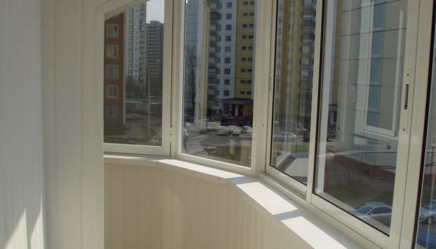 Как остеклить балкон и лоджию